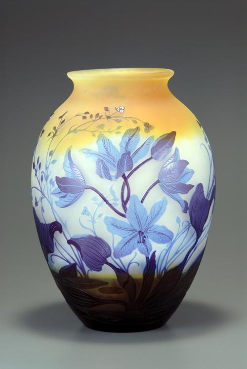ガレ 水辺の花文花瓶